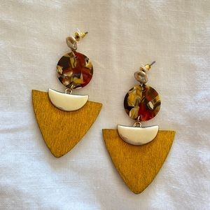 Yellow wooden and resin earrings